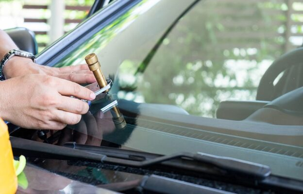 windshield-repair-home